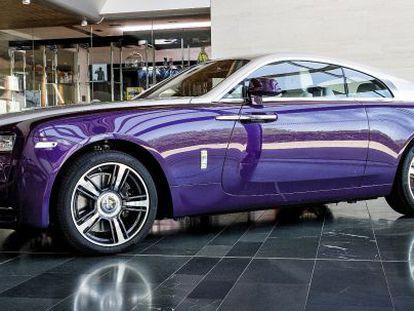 Con un Rolls-Royce es practicamente posible modificar cualquier cosa. El color púrpura es un claro ejemplo.