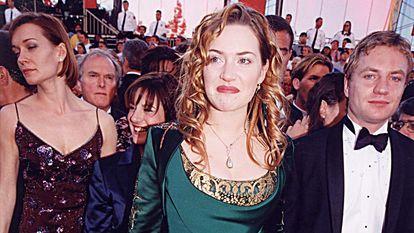 Kate Winslet, en los Oscar de 1998 celebrados en Los Ángeles, California.