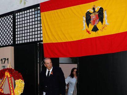 Francis Franco sale este jueves de su casa de Madrid rumbo al Valle de los Caídos. en vídeo, declaraciones de la familia Franco tras la inhumación.