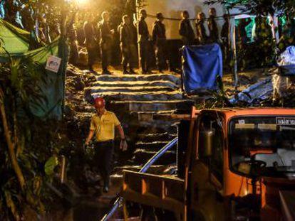 No es aconsejable  que los 12 críos y su entrenador salgan buceando, dice el gobernador de Chiang Rai