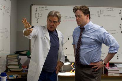 Harrison Ford y Brendan Fraser en la película <i>Medidas extraordinarias.</i>