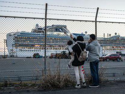 Un pasajero latinoamericano del barco anclado en el puerto japonés de Yokohama, en el que ya hay 175 contagiados por el coronavirus, narra la vida a bordo