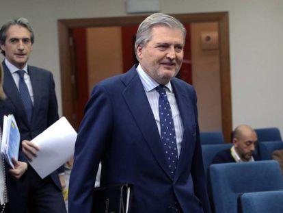 Íñigo Méndez de Vigo durante la rueda de prensa celebrada tras el Consejo de Ministros en el Palacio de La Moncloa.