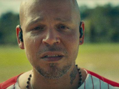 Imagen de Residente en el videoclip de 'René'. En vídeo, el videoclip de 'Residente'.