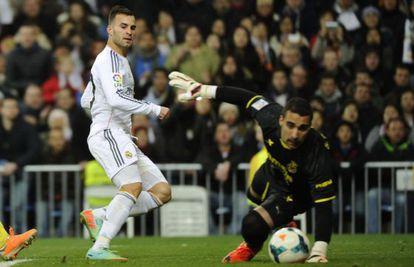 Jesé marca el tercer gol del partido.