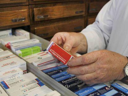 Medicamentos en una farmacia.