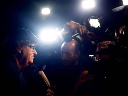 FOTO: Michael Moore habla con la prensa en Toronto en el estreno mundial de 'Fahrenheit 11/9'. / VÍDEO: Tráiler del documental.