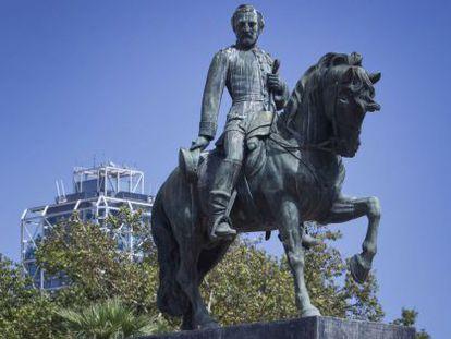 Estatua ecuestre a Prim en el parque de la Ciutadella.