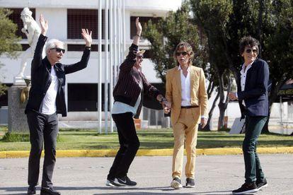 The Rolling Stones junto al estadio Nacional Santiago de Chile (Chile).