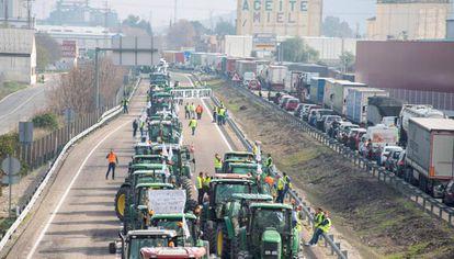 Protesta de agricultores de Jaén esta semana por la pérdida de renta.