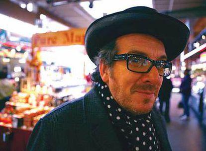 El cantante Elvis Costello actuará a finales de mes en España dentro de la gira de su último disco, <i>Momofuku. </i>