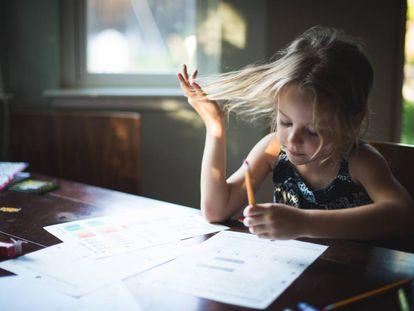 Ni castigo ni premios: así debe actuar ante las notas de sus hijos