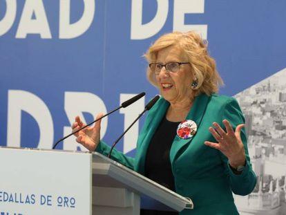 La alcaldesa de Madrid, Manuela Carmena, en la entrega de las Medallas de Oro de la capital.
