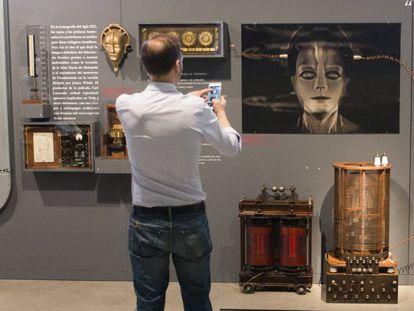 Aspecto de la exposición 'Terror en el laboratorio: de Frankenstein al Doctor Moreau' .