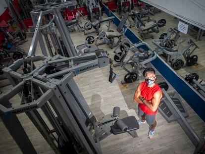 Xavi Moya, en su gimnasio del Clot, el primer día de la reapertura de los centros.