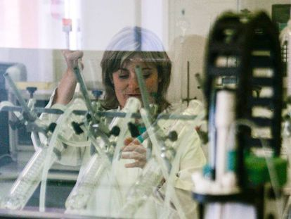 Una de las investigadoras del ITC (Instituto de Tecnología Cerámica) de la Universitat Jaume I de Castelló.