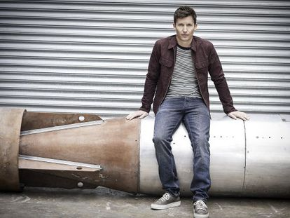 Imagen promocional del cantante James Blunt.