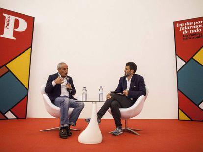 Antonio Caño, en Lisboa con el director del periódico portugués 'Publico', David Dinis.