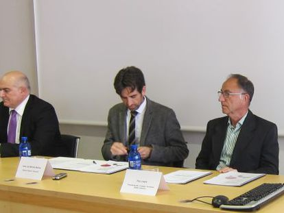 César Cano, con el director de Culturarts, José Luis Moreno, y el responsable de la SGAE Pep LLopis.