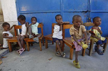 Un grupo de niños en el orfanato Le Coeur du Marie, en la capital haitiana.