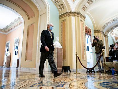 El líder de la minoría en el Senado, Mitch McConnell, a su llegada este sábado al Capitolio.