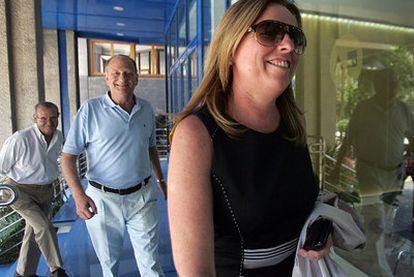 La ex directora general de CAM, María Dolores Amorós, en una imagen del pasado 27 de julio a la entrada de la sede de la entidad.
