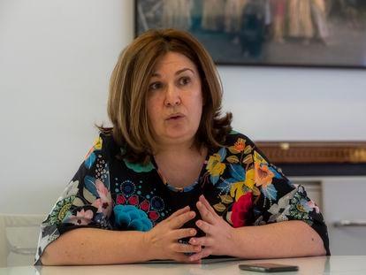 La alcaldesa de Alcorcón, Natalia de Andrés, en su despacho.