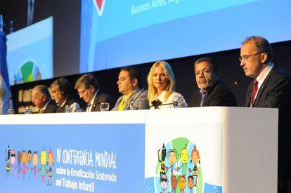Mesa de apertura de la IV Conferencia mundial sobre la erradicación sostenida del trabajo infantil.