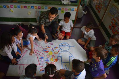 Alumnos del CEIP El Puntal en Murcia durante una clase del Proyecto 'Súper Puntalilla'.