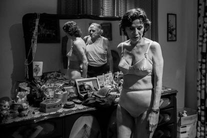 Patricia Reyes Spindola y Alejandro Suárez, en 'El diablo entre las piernas'.