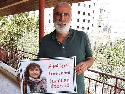 Elías Rismawi, marido de la cooperante Juana Ruiz, el lunes en su casa de Beit Shaur (Cisjordania).