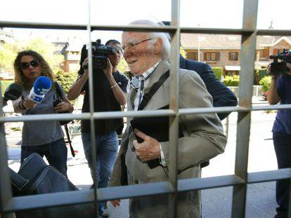 El expresidente de la SGAE, Eduardo Bautista hoy  a su llegada a los juzgados de Majadahonda          Juzgados Majadahonda tedy .Juan Carlos Hidalgo.