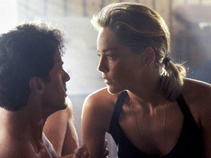 Sylvester Stallone y Sharon Stone en un momento de 'El especialista', película que cumple 25 años.