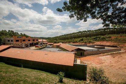 Vista general de las obras de ampliación del club de tiro Black Beard, ubicado en Salto de Pirapora, una ciudad bolsonarista del estado de São Paulo.