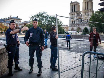 Los alrededores de Notre Dame clausurados por las tareas de descontaminación