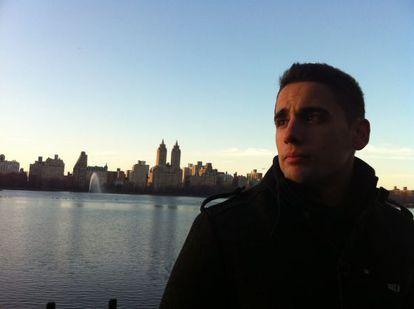 Luis Enrique Fabián en el lago de Central Park (Jacqueline Kennedy Onassis Reservoir), en Nueva York