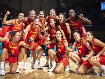 Las jugadoras española celebran el pase a semifinales