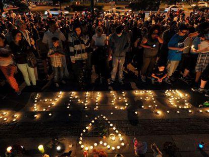 Vigilia en memoria de la bebé muerta por falta de papeles en Sarajevo.