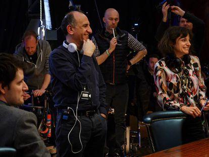 Armando Ianucci en el plató de 'Avenue 5', de HBO, en Londres.