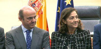El ministro de Economía, Luis de Guindos, junto a la secretaria de Estado de I+D+i en una fotografía de archivo