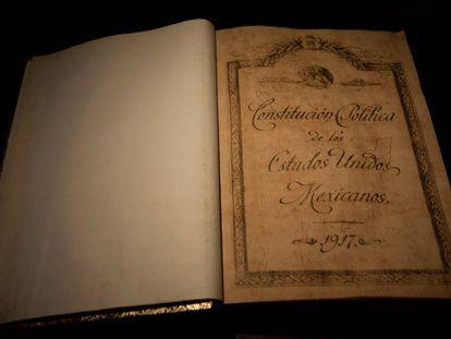 La Constitución mexicana expuesta en Querétaro en 2010.