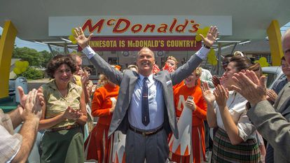 Fotograma de la película 'The Founder', donde Michael Keaton interpreta a Ray Kroc.