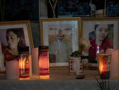 Altar a Santa Cristina García, una de las víctimas de la matanza, en su casa en la municipalidad de Comitancillo, Guatemala el 3 de febrero de 2021.