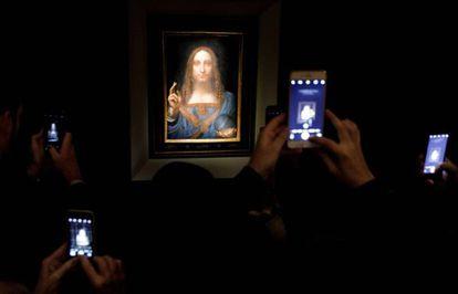 La obra 'Salvator Mundi', en una vista previa antes de la subasta de 2017.