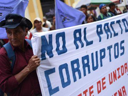 Protesta contra el presidente Jimmy Morales esta semana en Guatemala.