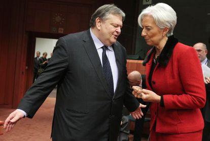 La responsable del FMI, Christine Lagarde, con el ministro de Finanzas griego, Evangelos Venizelos.
