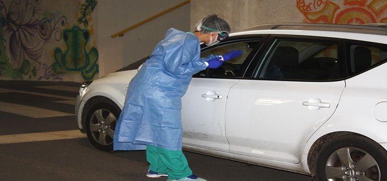 Puestos de 'CoroAuto' en Cantabria para pruebas PCR desde el coche.