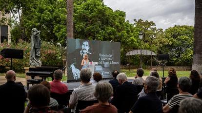 Intervención de la hija de Josep Maria Benet en el homenaje al dramaturgo celebrado este domingo.
