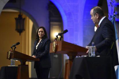 La vicepresidenta Kamala Harris en la conferencia de prensa con el presidente guatemalteco Alejandro Giammattei, en Guatemala.