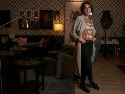 Laura Baena, fundadora del Club de Malasmadres, en la Malasmadres House del Centro Comercial Moda Shopping, en Madrid.